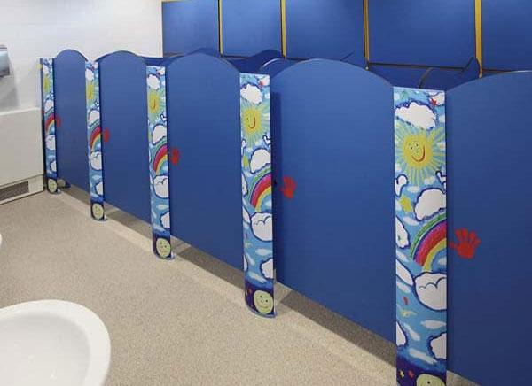 Vách ngăn vệ sinh mầm non