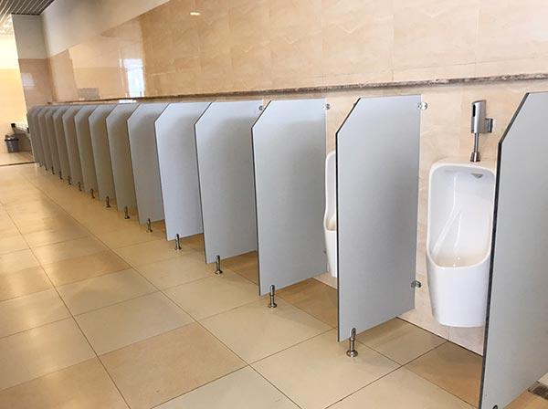 Kích thước vách ngăn nhà vệ sinh nam