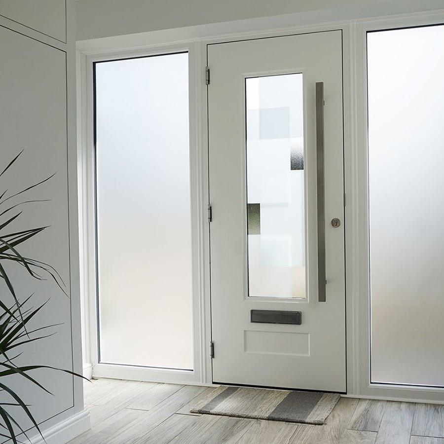 Cửa Composite có độ bền gấp 3 lần cửa gỗ trong cùng điều kiện sử dụng